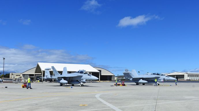 Two_Australian_EA-18Gs_at_Joint_Base_Pearl_Harbor-Hickam_in_2017