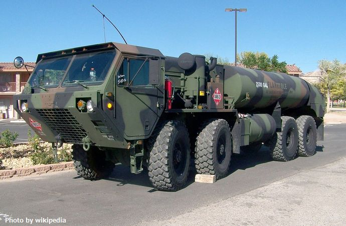 1280px-M978_tank_truck_in_Beatty,_Nevada