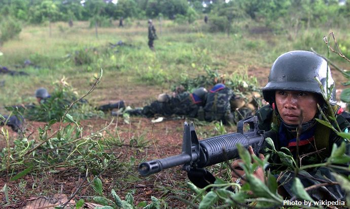 Thai_Army_soldier_with_M16A1_2000
