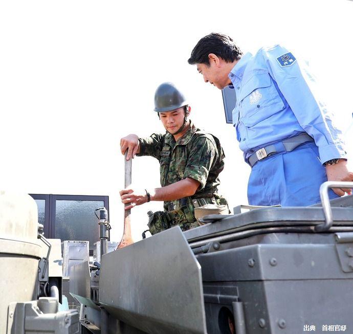 自衛隊被災者支援は3万人体制に、北海道帯広から派遣の部隊が夕食の煮込みハンバーグ を準備中!