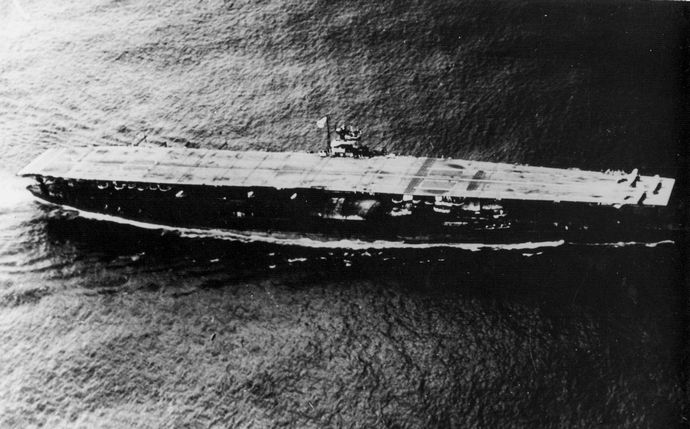 Japanese_aircraft_carrier_Akagi_01 (1)