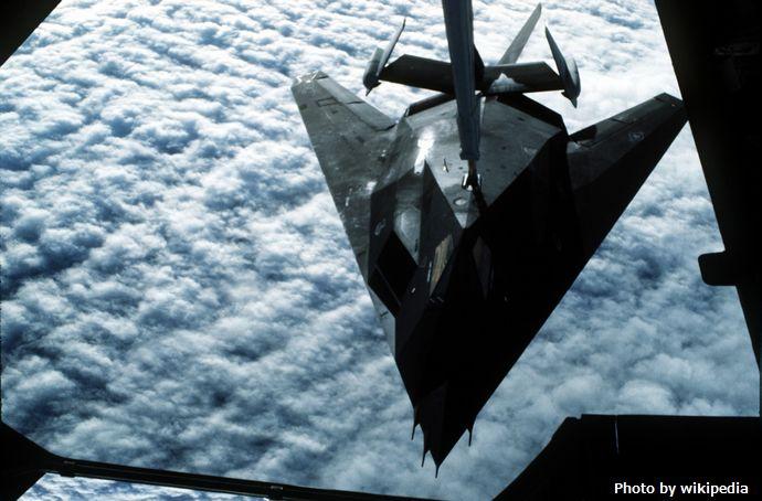 F-117_Nighthawk,_KC-10_Extender_(2159746296)