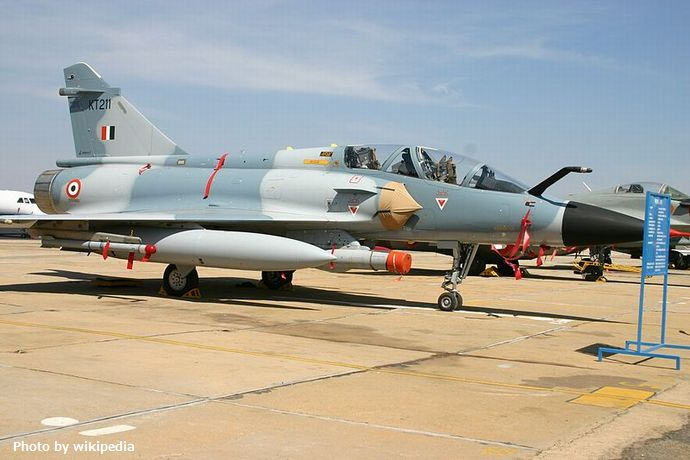 800px-KT211_AMD_Mirage_2000TH_Indian_Air_Force_(8414614218)