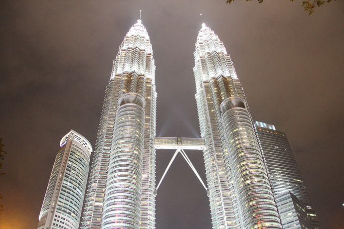 petronas-towers-480672_960_720