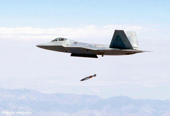 F-22_bomb