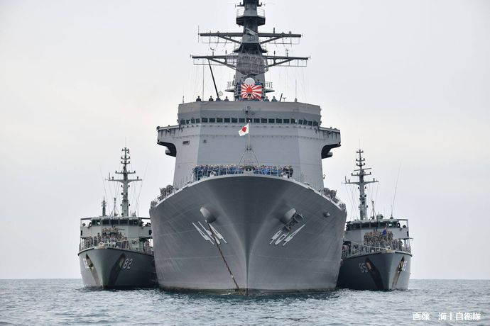 日米豪共同の機雷戦訓練及び掃海特別訓練で戦術技量の向上並びに連携の強化…海上自衛隊!