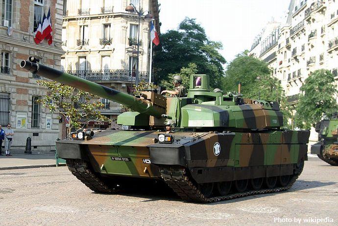 800px-Leclerc-IMG_1744