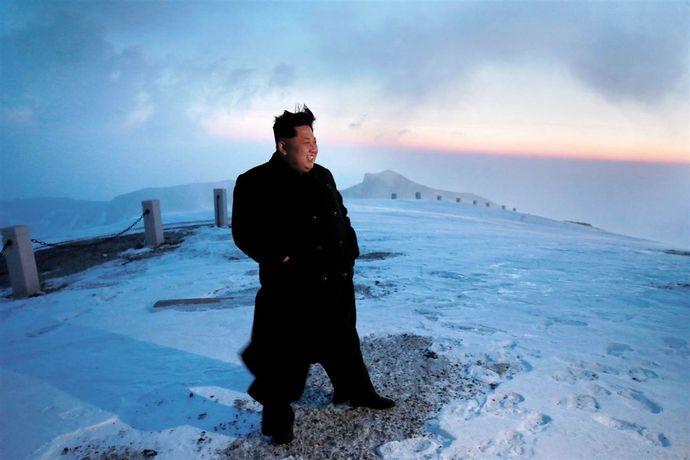 ss-150420-kim-jong-un-mountain-jsw-02.nbcnews-ux-1360-900
