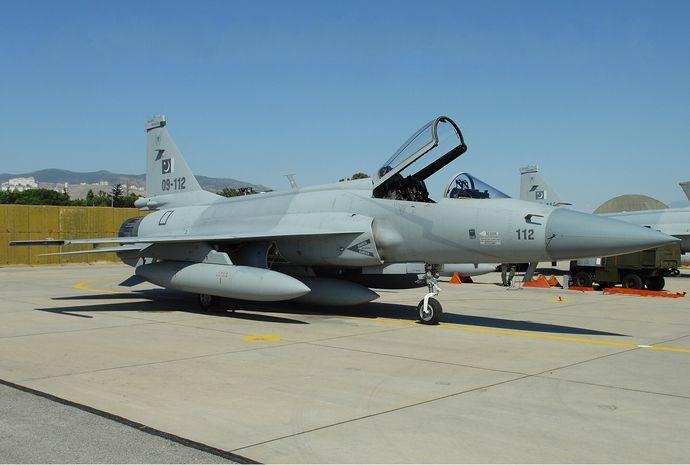 Pakistan_Air_Force_Pakistan_JF-17_Thunder_Bidini-1