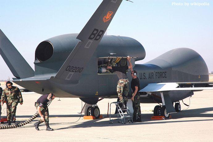 1280px-RQ-4_Global_Hawk