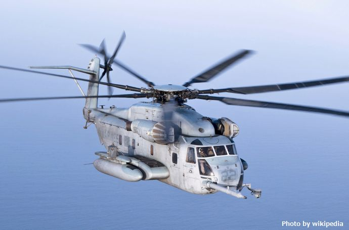 A_CH-53E_Super_Stallion_with_the_22nd_Marine_Expeditionary_Unit