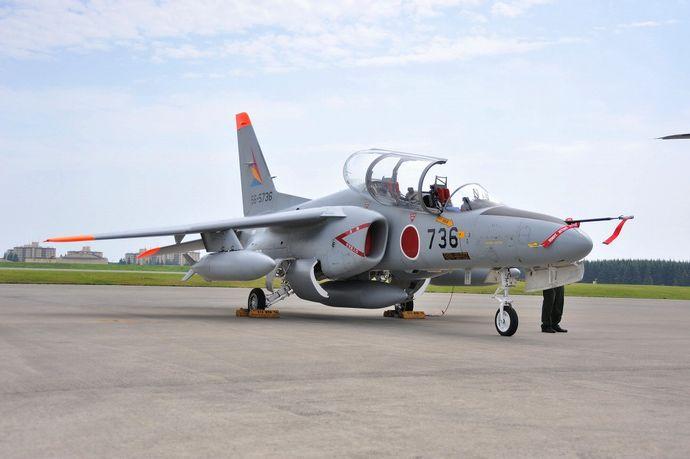 JASDF_kawsaki_T-4