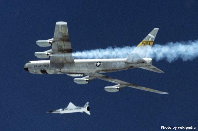 B-52B_with_X43