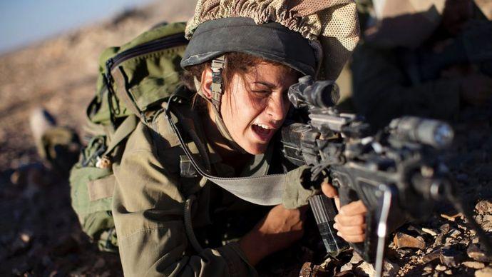 150818161414-israel-women-military-super-tease-1024x576