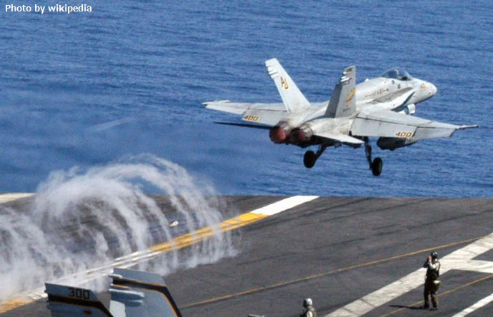 US_Navy_030503-N-2838M-503_An_F-A_18_'Hornet'_from_the