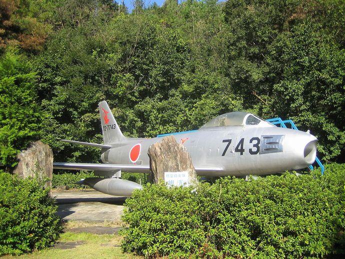 1280px-Image-JASDF_F-86F-40