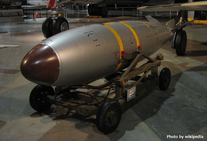 1280px-Mark_7_nuclear_bomb_at_USAF_Museum