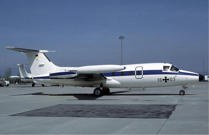 Luftwaffe_Hansa_Jet_at_Basle_-_May_1984