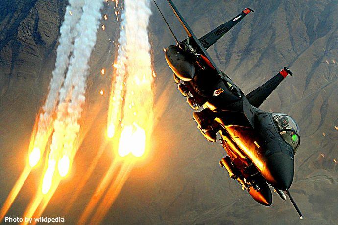 1920px-F-15E_391st_USAF_081215-F-7823A-931