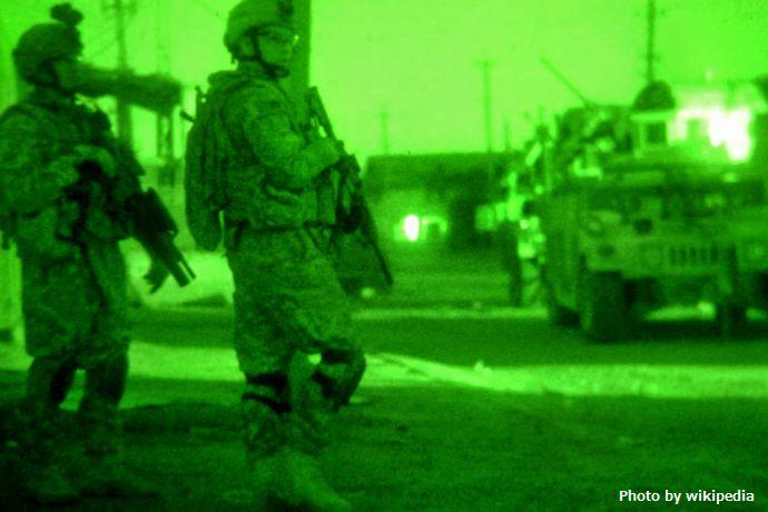 Flickr_-_The_U.S._Army_-_Fadhel_fighting