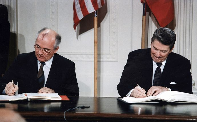 1920px-Reagan_and_Gorbachev_signing
