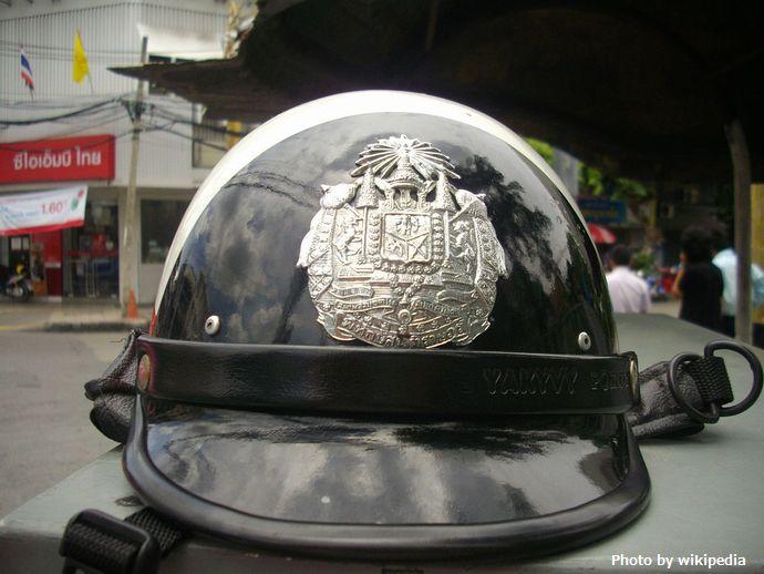 1200px-Helmet_for_Thai_traffic_police