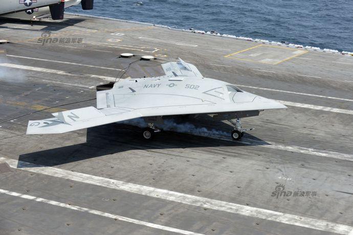 アメリカ海軍の無人艦載実証機X-47B、試験打ち切りかで博物館行きか!