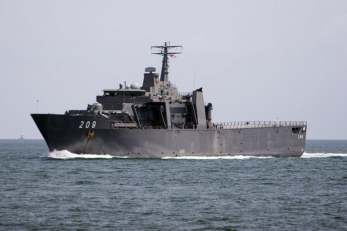 Singapore_Strait_Passing_warship