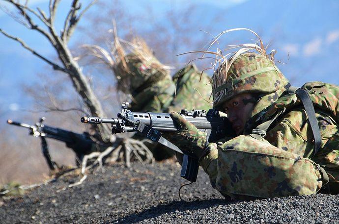 12_33i・第3次訓練検閲(攻撃戦闘中の小銃手)_R_装備_51