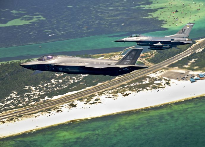 F-35_side-view_next_to_its_F-16_predecessor
