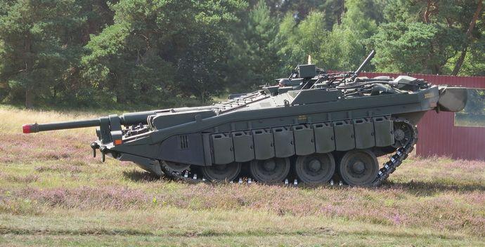 Stridsvagn_103_Revinge_2013-2