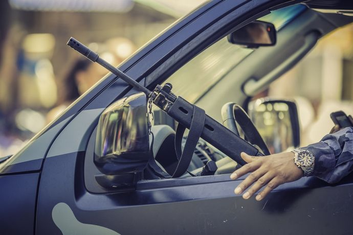 Can-i-carry-a-gun-in-my-car