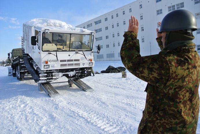 20_1曹教・10式雪上車操縦訓練(1)_R_装備_25