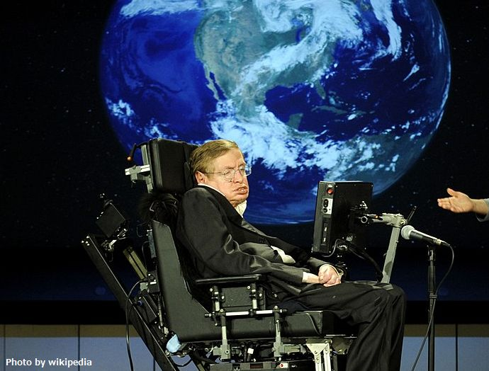 1280px-Stephen_hawking_and_lucy_hawking_nasa_2008