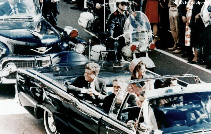 1024px-JFK_limousine