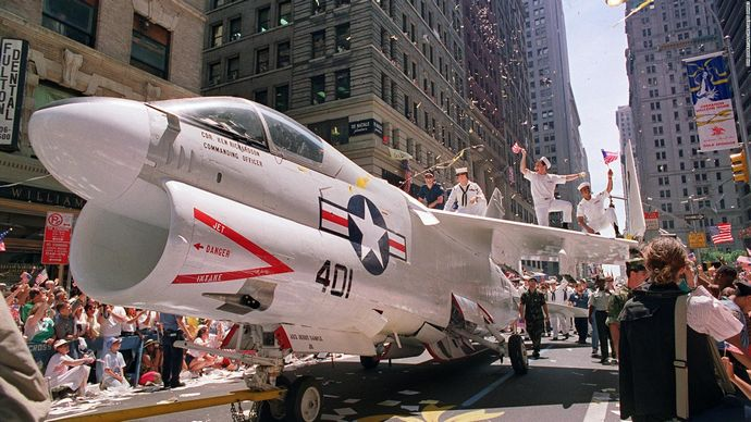 180207121901-military-parades-0207-us-gulf-war-full-169