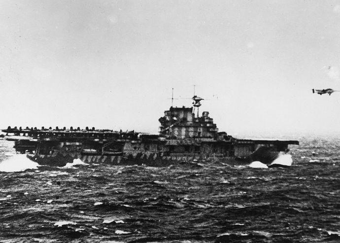 米海軍空母「ホーネット」を南太平洋の深海で発見…B-25爆撃機を16機発進させ日本本土に初空襲!