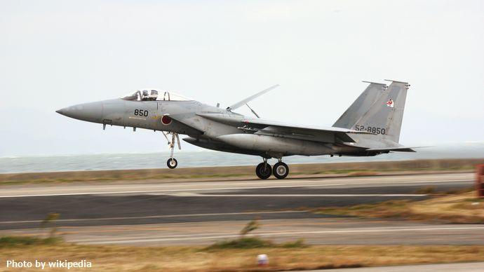 52-8850_a_Japanese_built_F-15J_of_304_Hikotai_(5228845421)