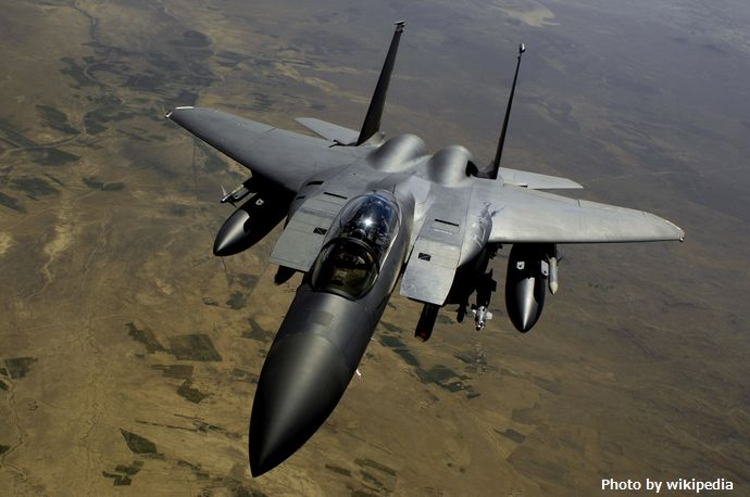 F-15E_after_refueling_-_080528-F-2828D-602