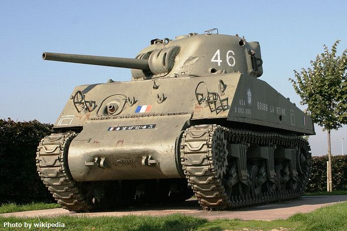 800px-Tanks_Sherman_Bourg-la-Reine