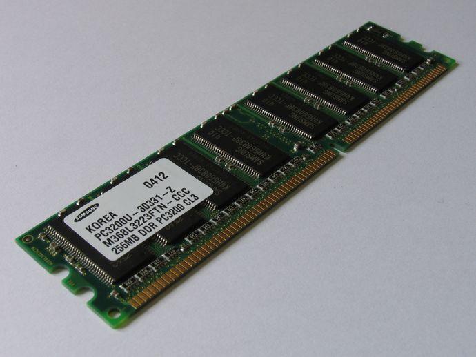 Samsung_PC3200U-30331-Z_256MB_20060809
