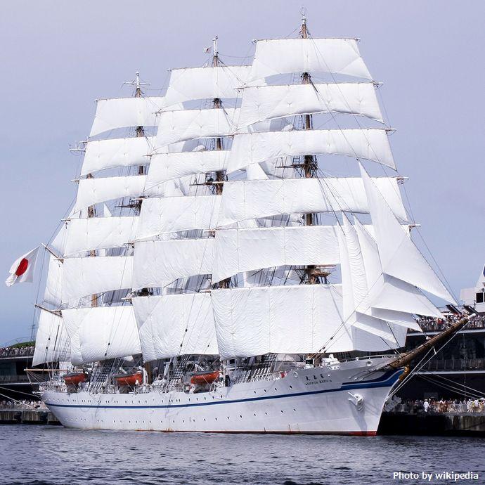 Nippon_maru_II_in_yokohama_20090720