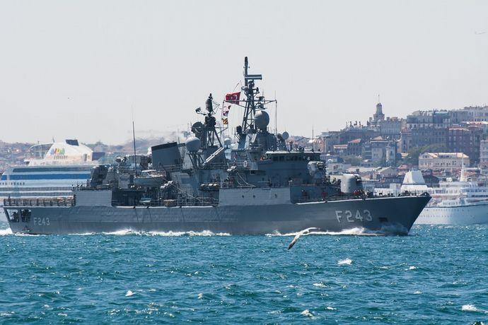 warship-795700_960_720