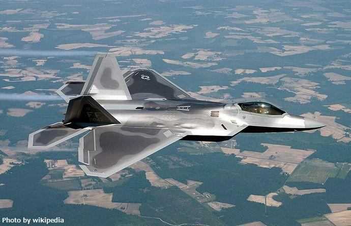 800px-Lockheed_Martin_F-22