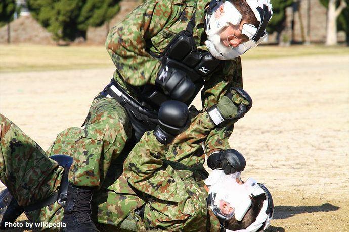 城山公園で陸上自衛隊が格闘訓練などを実施したこと対し市民団体が使用させないよう求める要望書…松山市!