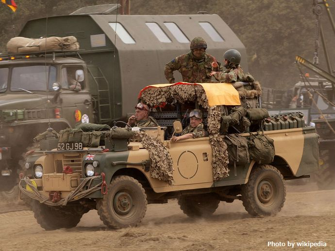 1280px-SAS_Land_Rover,_licence_registration_'52_GJ98'