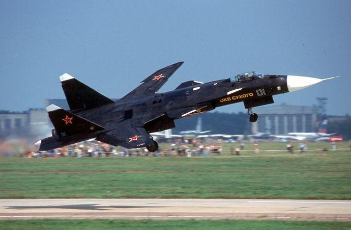 Sukhoi_Su-47_Berkut_(S-37)_in_2001
