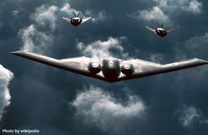 B-2_and_F-117_Formation