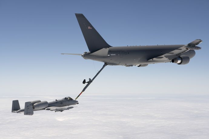KC-46_refuels_A-10_during_Milestone_C_test