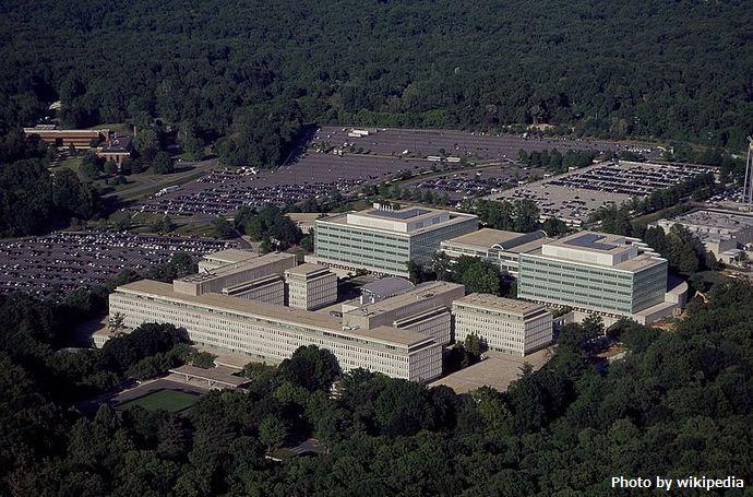 Aerial_view_of_CIA_headquarters,_Langley,_Virginia_14760v (1)